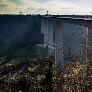 links with bridge & Brücke